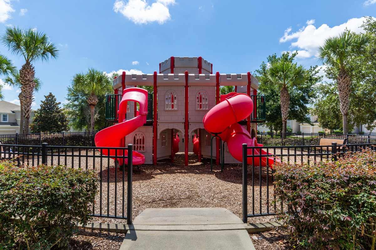 Windsor-Hills-KidsPlayground-1