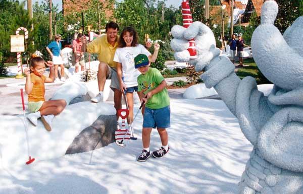 The-Winter-Summerland-Miniature-Golf